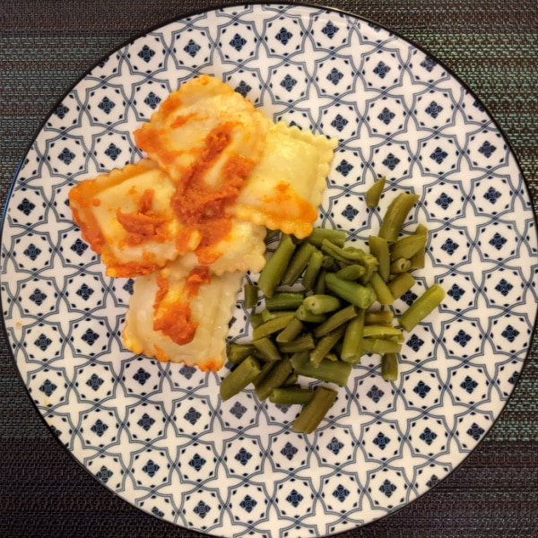Cheese Ravioli & Green Beans